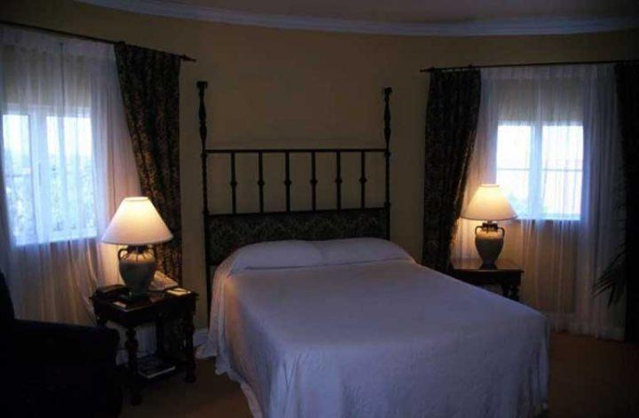 A quiet bedroom